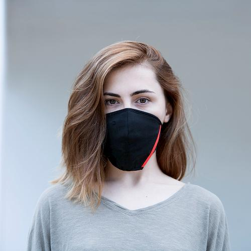 black facemask covid19